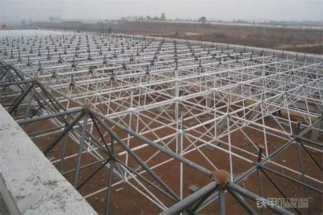 试深度分析钢结构网架结构与网架吊装